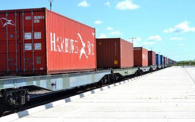Отправлен первый контейнерный поезд (62*40НС контейнеров)