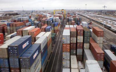 Дальний Восток заполонили дешевые контейнеры